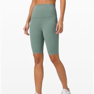 """Lululemon align shorts """"10"""